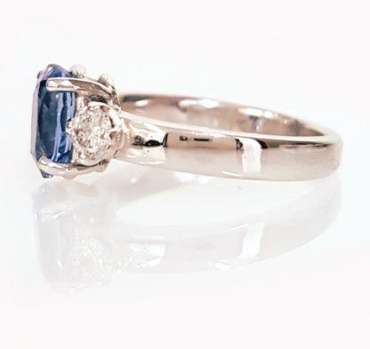 Bague Saphir Ceylan et diamants or blanc 18 carats réf. 1024