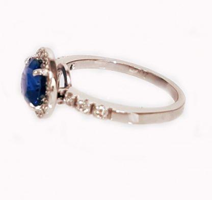 Bague Saphir bleu or blanc et diamants réf. 1389
