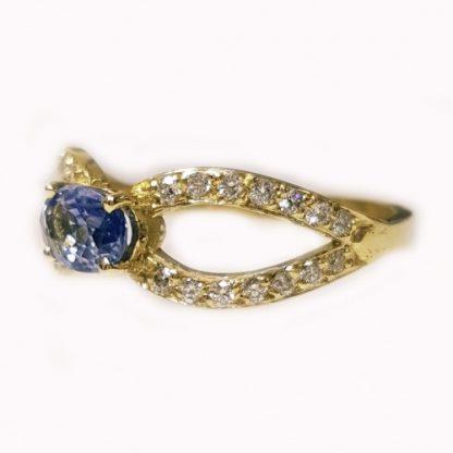 Bague Saphir et diamants or jaune Réf.1444