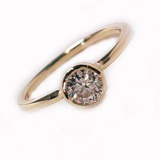 Bague or jaune et diamant 0.50cts Réf. 1393